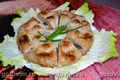 Мясной кекс с начинкой из грибов и картофеля