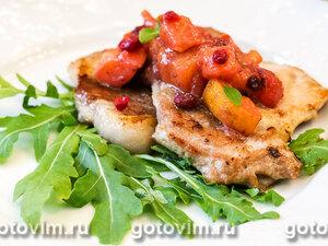 Мясо с соусом из хурмы и клюквы