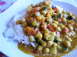 Нут с овощами в соусе карри по индийским мотивам