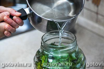 Малосольные огурцы с листьями черной смородины, Шаг 03