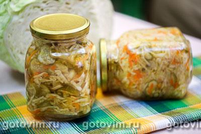 Салат из капусты с огурцами и морковью по-корейски (на зиму). Фотография рецепта