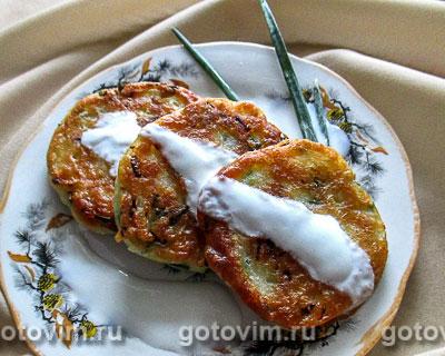 Оладьи на кефире с капустой и зелёным луком. Фотография рецепта
