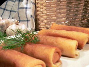 Закусочные блинчики с острой творожной начинкой