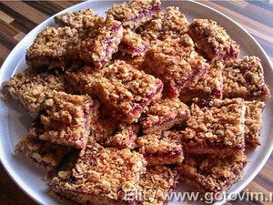 Овсяно-кокосовое печенье с малиной