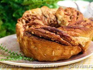 Пасхальный венок с грецкими орехами и корицей