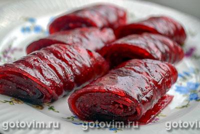 Фотография рецепта Пастила из красной смородины в электрической сушилке