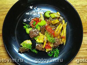 Печень терияки с грушей и овощами