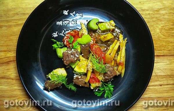 Печень терияки с грушей и овощами. Фотография рецепта