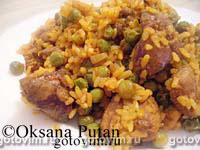 Нежная куриная печень с рисом и горошком. Фотография рецепта