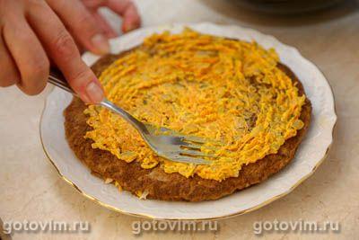 Печеночный тортик с копченым сыром
