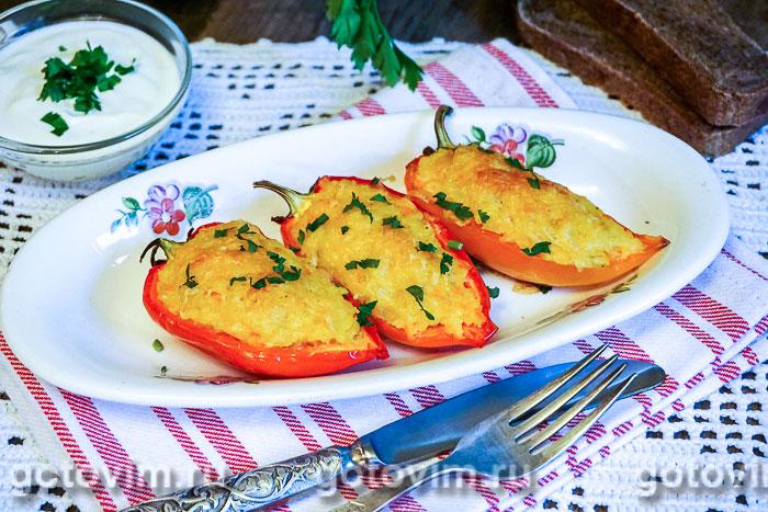 Фаршированный перец с пшеном и сыром. Фотография рецепта