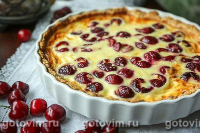 Фотография рецепта Пирог с черешней и сыром с голубой плесенью