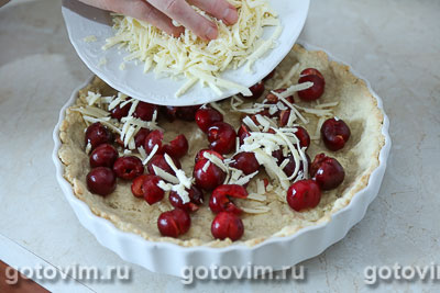 Пирог с черешней и сыром с голубой плесенью, Шаг 06