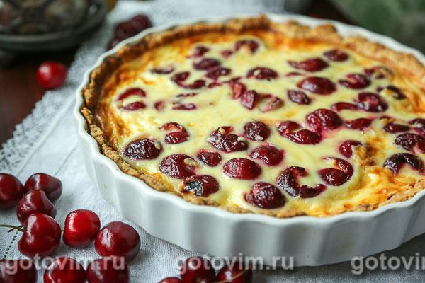 Пирог с черешней и сыром с голубой плесенью. Фотография рецепта