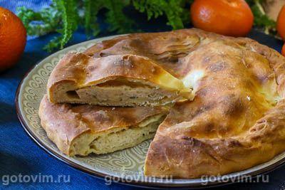 Осетинский пирог с курицей и рассольным сыром