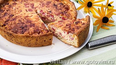 Пирог из творожного теста с салями и сыром. Фотография рецепта