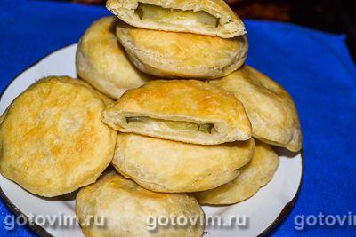 Пирожки «бомбочки» с лавлеными сырками и солеными огурцами