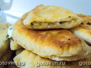 Пирожки с начинкой из творога и зеленого лука