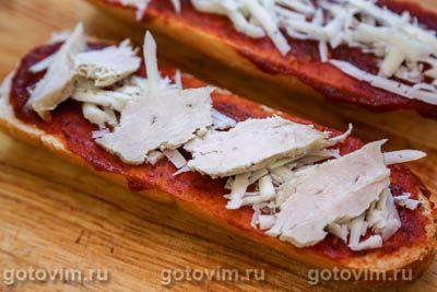 Пицца на багете с курицей и ананасами, Шаг 05