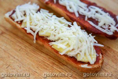 Пицца на багете с курицей и ананасами, Шаг 07