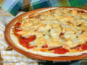 Пицца с ветчиной и яблоками