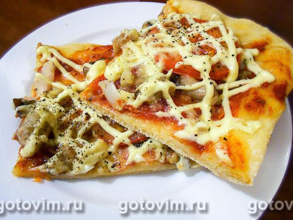Пицца с грибами и помидорами. Фотография рецепта