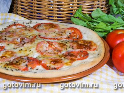 Пицца с помидорами с сыром скаморца. Фотография рецепта