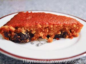 Постный медовый пирог с черносливом
