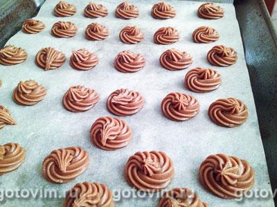 Фотографии рецепта Шоколадные профитроли с кракелином и шоколадным кремом, Шаг 04