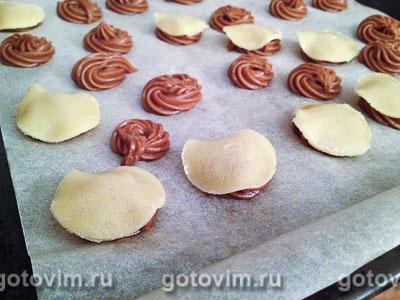 Фотографии рецепта Шоколадные профитроли с кракелином и шоколадным кремом, Шаг 06