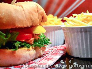 Бургер с курицей и манго (Pulled chiken burger)