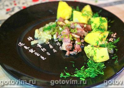 Рагу из говядины с картофелем и можжевельником. Фотография рецепта