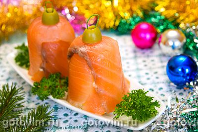 Закуска «Колокольчик» из семги с сыром. Фотография рецепта