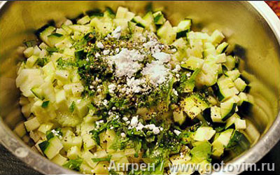 Фотографии рецепта Рыбная вариация с тыквенным пюре и тартаром из яблок и цуккини, Шаг 05