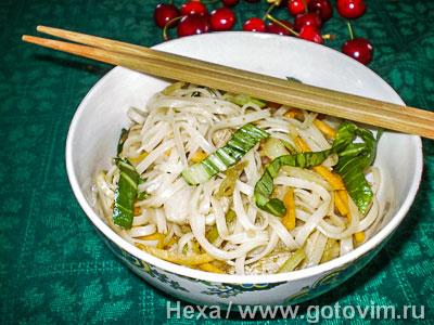 Рисовая лапша с мясом по-китайски. Фотография рецепта