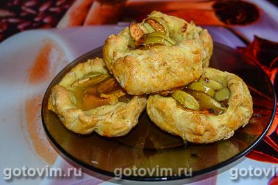Фотография рецепта Розетки с яблоками из слоеного теста