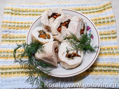 Рулет из куриной грудки с овощами в пароварке. Фотография рецепта