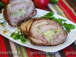 Рулет из свинины с капустной начинкой