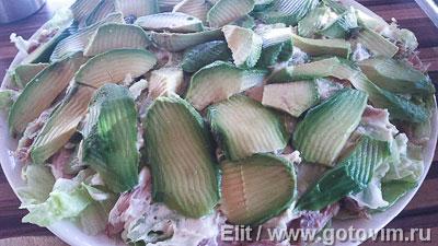 Слоеный салат из курицы с авокадо, сельдереем и сырным соусом ( A la MARRE), Шаг 05