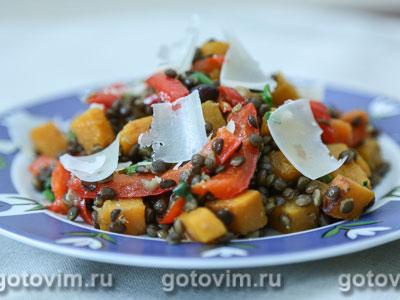 Теплый салат из чечевицы белуга с тыквой и сладким перцем