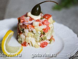 Салат из слабосоленой семги с овощами