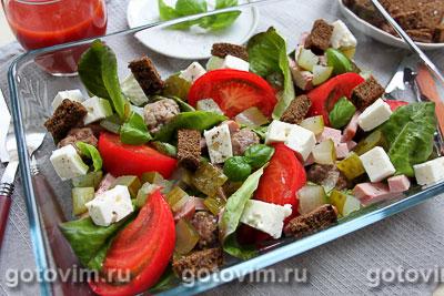 Салат для пикника с фрикадельками и рассольным сыром. Фотография рецепта
