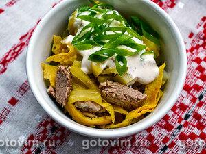 Мясной салат с говядиной и яичными блинчиками