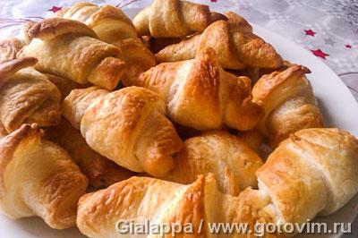 Салатини (закусочные рогалики с сыром и беконом). Фотография рецепта
