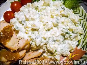 Салат картофельный с зелёным луком и сметаной