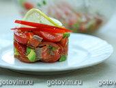 Салат из авокадо с копченой красной рыбой
