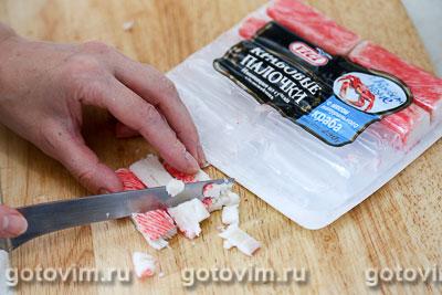 Салат из крабовых палочек «Снежный краб» VIČI с огурцами и кукурузой, Шаг 02