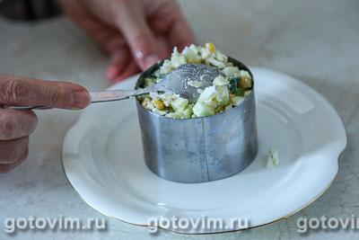 Салат из крабовых палочек «Снежный краб» VIČI с огурцами и кукурузой, Шаг 05