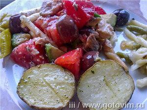 Макаронный салат с авокадо и горбушей