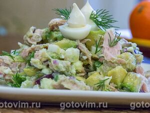 Рыбный салат с авокадо и тунцом